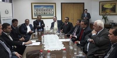 GOBERNADOR DE ITAPÚA PARTICIPÓ DE REUNIÓN CON AUTORIDADES NACIONALES