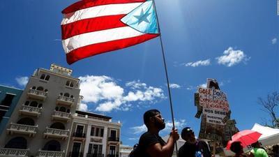 El gobernador de Puerto Rico anuncia su dimisión