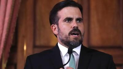 Acorralado por mensajes homofóbicos y protestas en las calles, renuncia el gobernador de Puerto Rico