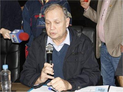 Mario Ferreiro felicita a concejales por regulación de MUV y Uber