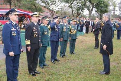 En 193 aniversario Ejército Paraguayo apuesta a la modernización