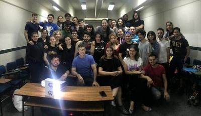 """HOY / Tana y Juanca celebran a TIA: 10 años de """"actuar con el alma"""""""