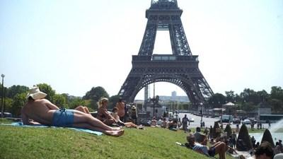 París alcanza los 42,6 grados y bate su récord histórico de calor