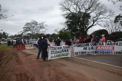 Con cierre de ruta repudian acuerdo bilateral en Caaguazú