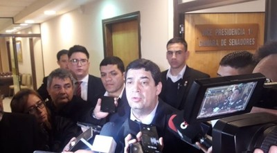 Velázquez apoya acuerdo de Itaipú y justifica exclusión de técnicos de la negociación