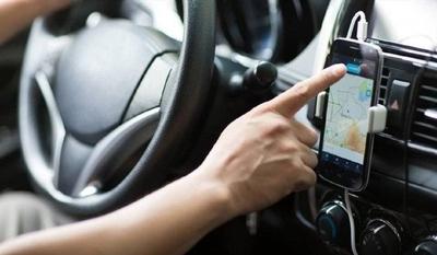 HOY / Dinatran recomienda que Uber y MUV pinten sus vehículos para identificarlos