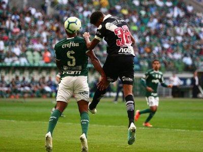 Palmeiras dejó la punta expuesta