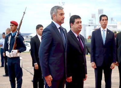 Mario Abdo postergó viaje a Turquía por sesión extra en Senado