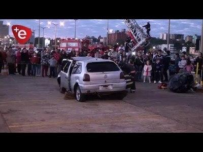 ''PARADA BOMBERIL'' SE REALIZÓ EN LA COSTANERA DE ENCARNACIÓN