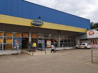 Delincuentes asaltan Itaú Express en Limpio