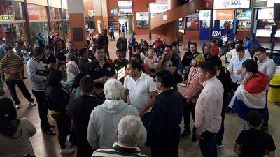 Intendente encabeza incidentes en terminal de Ciudad del Este