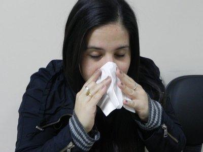 Disminuyen consultas por influenza, pero advierten de posible repunte de casos