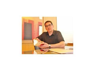 Félix Toranzos celebra hoy sus  40 años de trayectoria