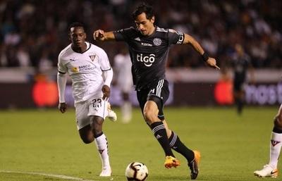 HOY / Liga de Quito acaricia los cuartos ante un Olimpia con resultado cuesta arriba