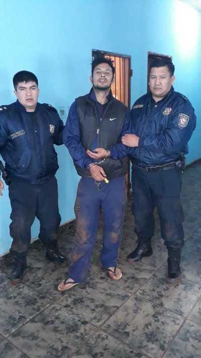 Violento hombre es detenido luego de atropellar casa y golpear a su expareja