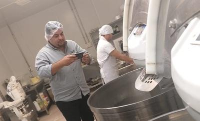 En comuna de Franco habrían negociado para no multar a súper que vendió galletitas agusanadas
