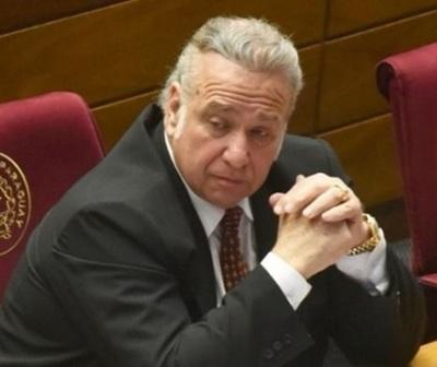 Benefician con arresto domiciliario a Óscar González Daher y su hijo