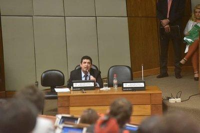 Hugo Velázquez se defiende ante diputados sobre vinculación al acta de Itaipú