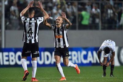 Mineiro avanza en la Sudamericana