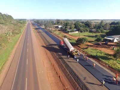 Ministro Wiens firma orden de inicio de obras para duplicación de la Ruta 2