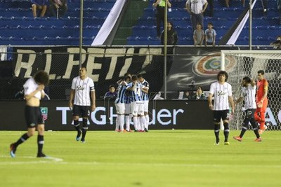Grêmio goleó y despidió a Libertad de la Copa