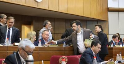 Efecto carrulim: Marito y su vice se salvaron del  juicio político