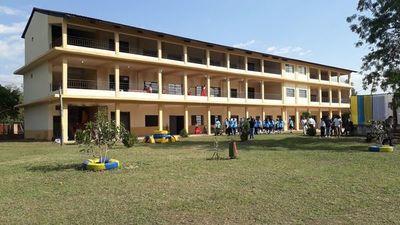 Habilitan mejoras en colegio nacional
