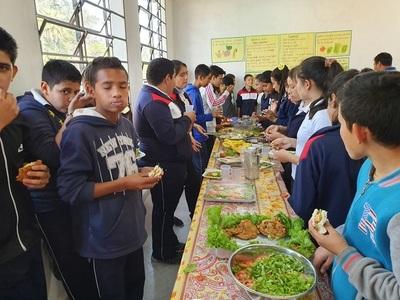 Alumnos de Concepción no tienen almuerzo pero si huerta