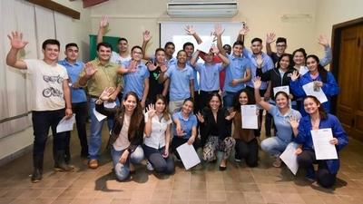 HOY / Nestlé impulsa programa a favor de jóvenes del sector rural