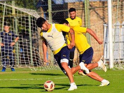 Roberto Torres perfila el mismo onceno