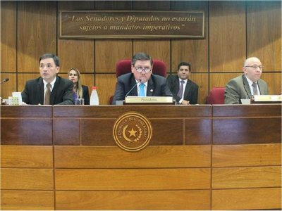 Llano exige inmediata destitución de consejeros de Itaipú e IPS