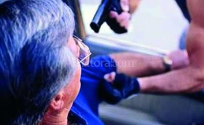 Imputado por robar dinero a un anciano