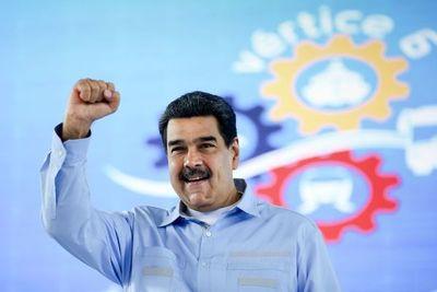 """Maduro dice que habrá """"una batalla""""  si Trump bloquea a Venezuela"""