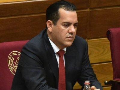 Ante críticas, Ovelar es alejado de comisión que investigará acuerdo