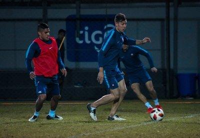 Miguel Russo llama a 18 futbolistas para enfrentar a Guaraní