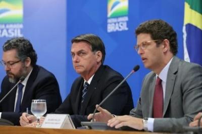 """Bolsonaro promete combatir la """"deforestación ilegal"""" en Brasil"""