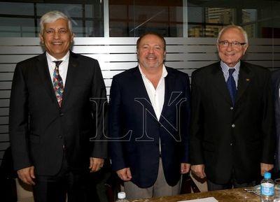 Reunión del Cuerpo Consular