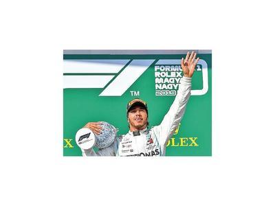 Hamilton se luce en Hungaroring