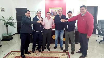 Echan en cara su nepotismo a Oswaldo Báez durante elección de titular de la Junta