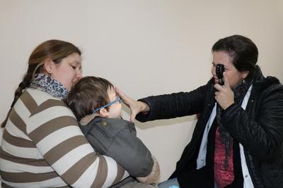 Oftalmología de Clínicas registra numerosos casos de astigmatismo en niños