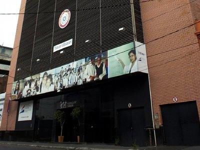 Dos universidades extranjeras asesorarán a MEC en reforma