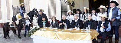 Jineteada, procesión náutica y misas en aniversario y fiesta patronal de Asunción