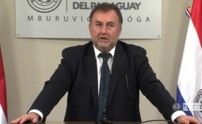 Benigno López pone a disposición su cargo como Ministro de Hacienda