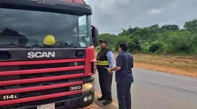 Camioneros sufren de irregularidad laboral