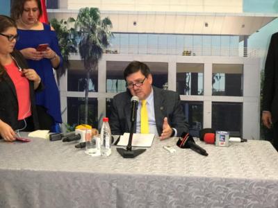 Blas Llano asegura que no le quita el sueño ser presidente de la República