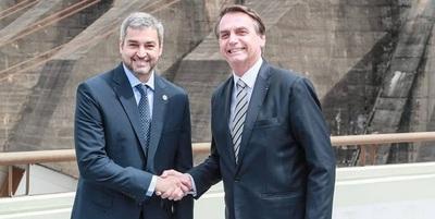 Escándalo por acuerdo energético también complica a Bolsonaro