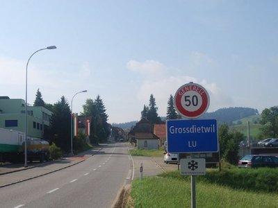 Pueblo suizo pagará a jóvenes para que no migren a grandes ciudades