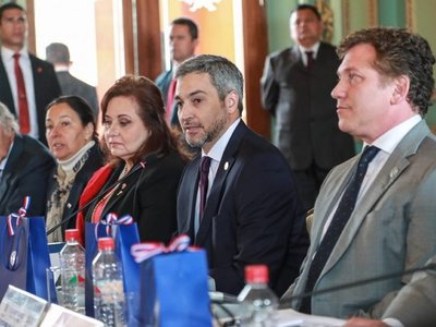 Gobierno está secuestrado por Cartes, dice constitucionalista