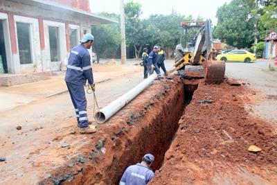 Essap prosigue con instalación de cañerías en nueva red cloacal de Luque