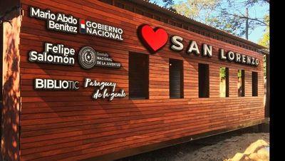 Arrancan nombre del presidente y del ministro de la réplica del tren a ser inaugurada en San Lorenzo